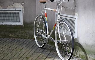 P1110010 320x202 - Puch CLUBMAN Weiß Nexus Nabendynamo