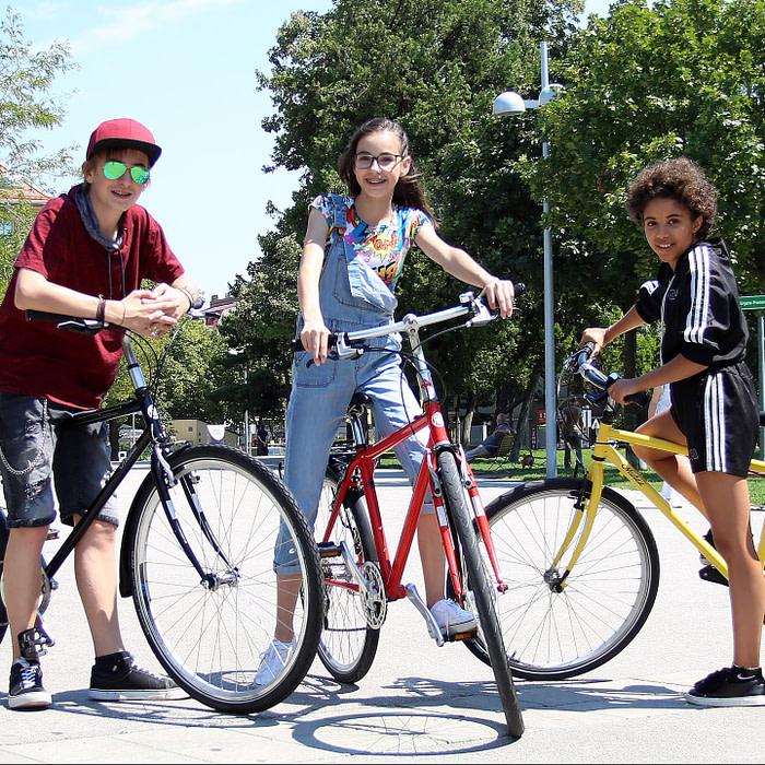 F39A1744 e1573502990810 700x700 - Gutschein für ein Teenager Bike