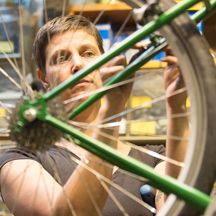 F39A6837 e1576238500424 700x700 - Gutschein für ein Fahrradservice
